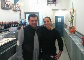 Paco Tous visita 'Caza Ostras'